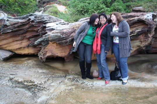 3 girls.
